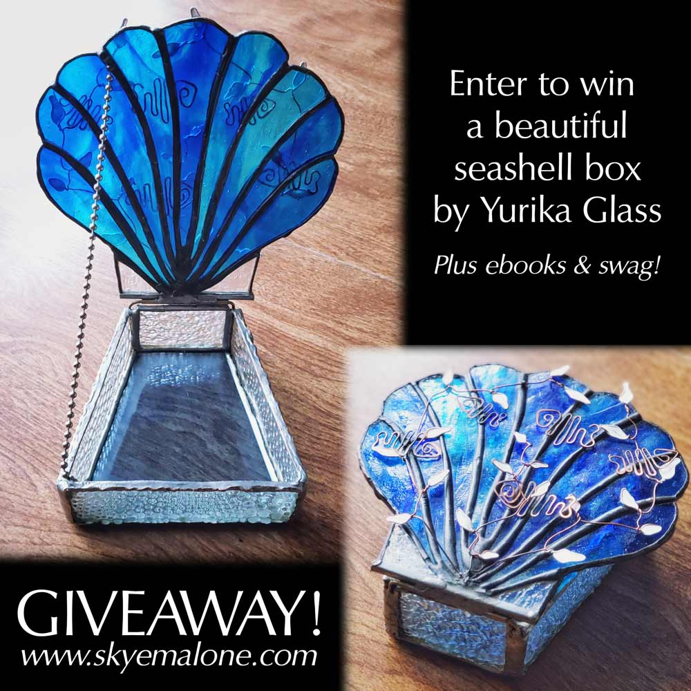 Seashell Glass Box by Yurika Glass